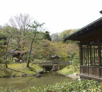 13臨春閣から橋を見る.jpg