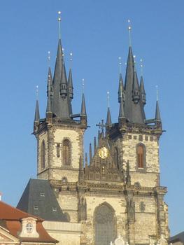 プラハの尖塔3.jpg